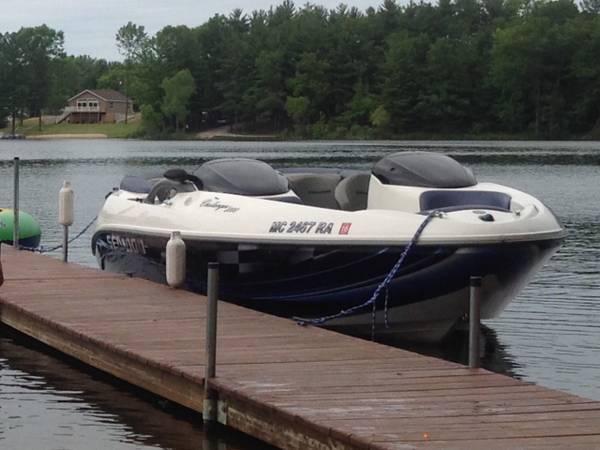 Photo 2001 Seadoo Challenger 2000 Boat - $5,500 (Lake, Michigan)