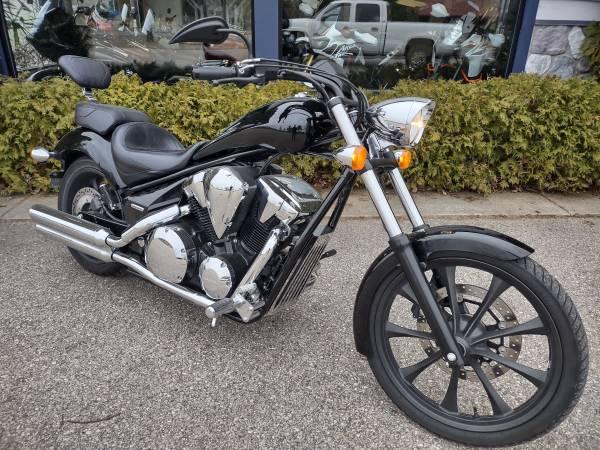 Photo 2013 Honda Fury - Mustang seat - 3,300 miles - $6,500 (Miller39s - Petoskey)