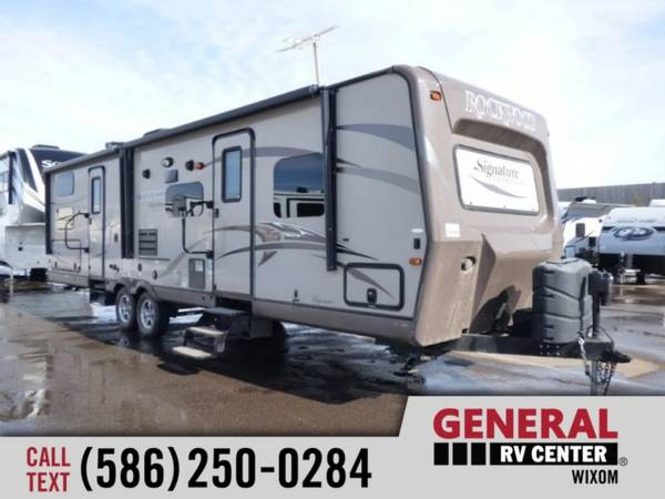 Photo 2015 Forest River RV Rockwood Signature Ultra Lite 8311SS - $26,987