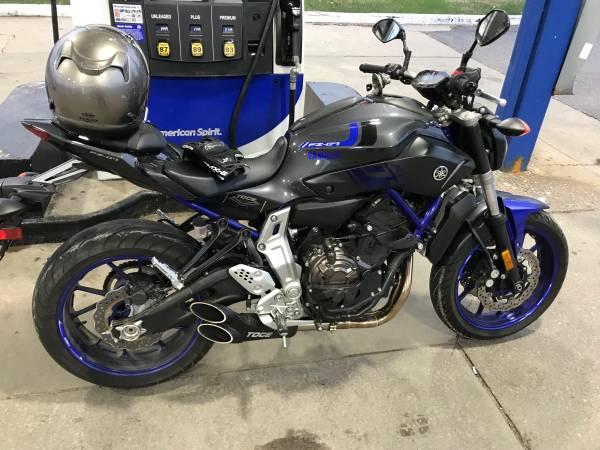 Photo 2015 Yamaha FZ07 Naked Sport Bike - $4,500 (Grand Blanc)
