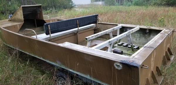 Photo Air boat hull - $1300 (White cloud)