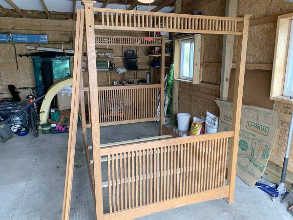 Photo Amazing Oak Queen Size Bed Frame - 7ft tall - $125 (Ithaca)