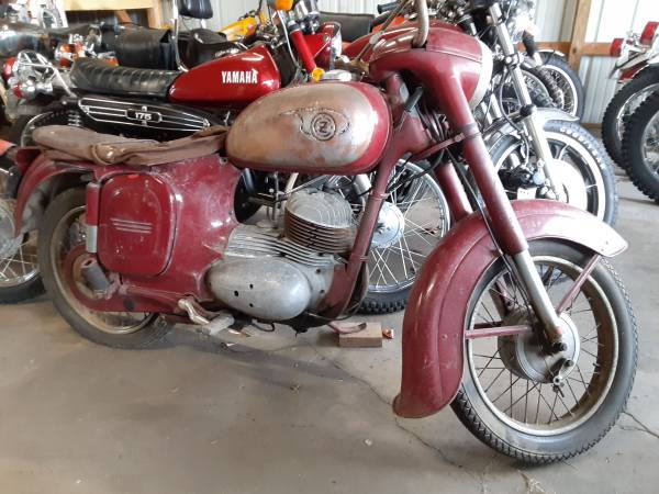 Photo Buying old motorcycles not running - $2,000 (Honor)
