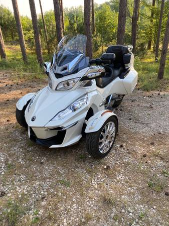 Photo Can-Am Spyder for sale - $17,500