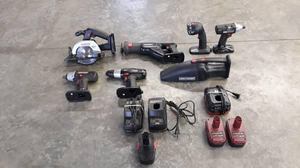 Photo Cordless Tool Set- Craftsman - $200 (RIVERDALE)
