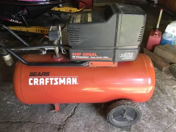 Photo Craftsman air compressor - $50 (St. Johns)