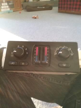 Photo Dual temp controller - $125 (Bay City)