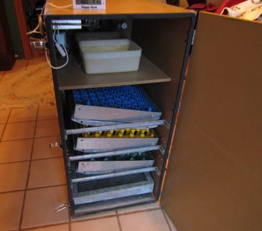 Photo GQF Model 1202 Incubator For Sale - $400 (Millington)