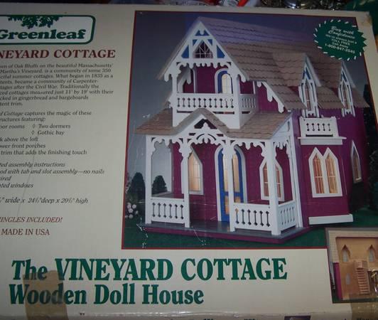Photo Greenleaf Vineyard Cottage Wooden Dollhouse Kit - $45 (Westphalia)