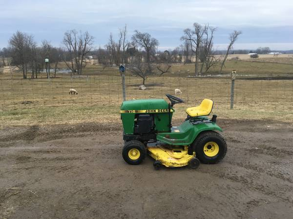 Photo John Deere 116 lawn tractor - $550 (Farewell)