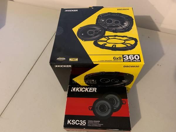 Photo Kicker DSC6930 and KSC35 car speakers - $50 (Davison)