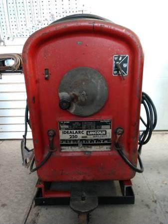 Photo Lincoln Idealarc 250 Tombstone welder - $275 (Stanwood)