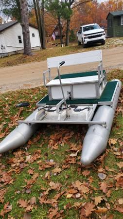Photo Paddle king paddle pontoon - $1,250 (Beaverton)