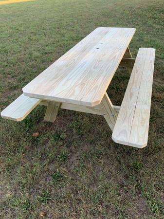 Photo Picnic table - $250 (Ithaca)