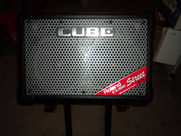 Photo Roland Cube Street EX 4 Channel Portable PA Battery Powered Amplifier - $450 (FruitportSpring Lake)