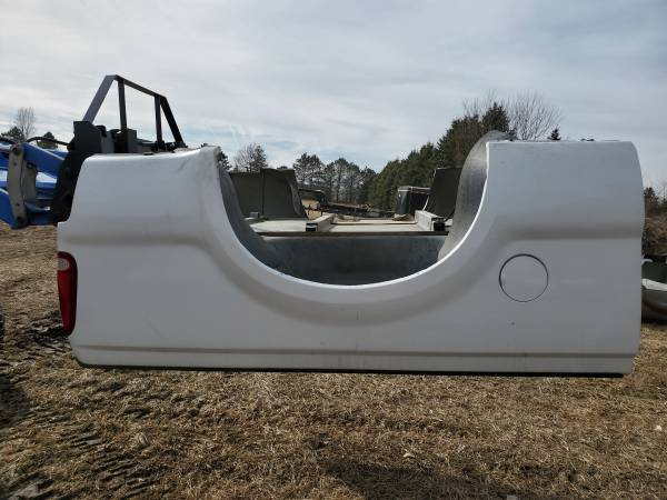 Photo Rust Free White f250 f350 6.5 short bed
