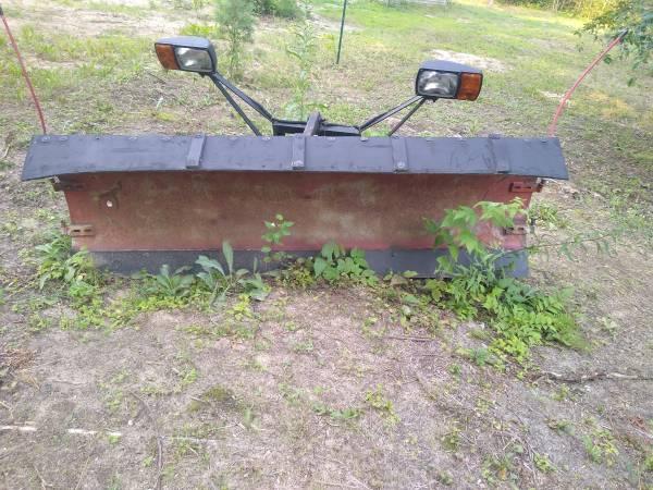 Photo Western 839 snow plow - $500 (Gladwin)