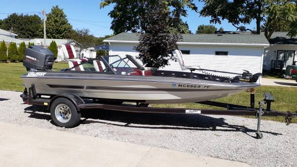 Photo bass boat for sale or trade - $6,000 (Saint Louis)
