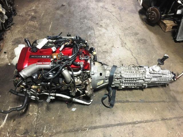 Photo JDM NISSAN SKYLINE GTR RB26DETT R34 ENGINE WITH 6 SPEED GETRAG MT TRANSMISSION