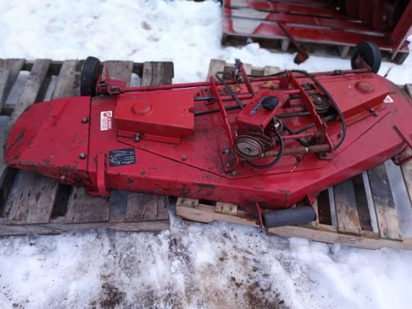 Photo wheel Horse 60 inch mower deck - $375 (Laingsburg)