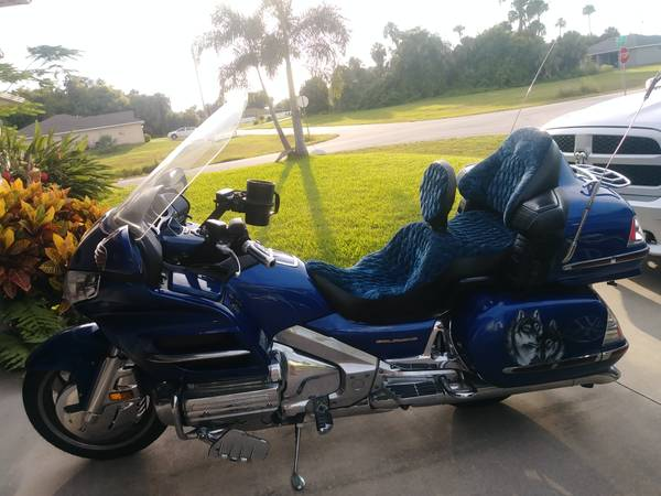 Photo 01 GL1800 GOLDWING FOR SALE - $6,150 (Cape coral)