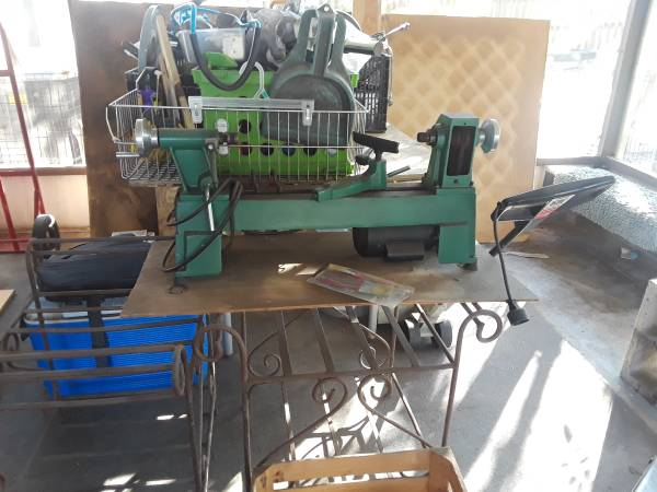 Photo 10 in. x 18 in. 5 Speed 12 HP Benchtop Wood Lathe - $250 (temple terrace)