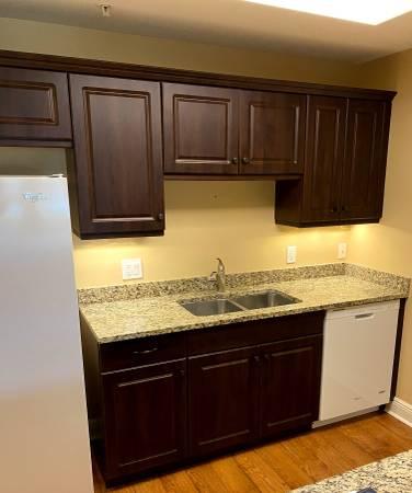 Photo 12 Piece Dark Brown Kitchen Cabinet Set 5 Base 7 Uppers 6 Drawers Used - $899 (Bonita Springs)
