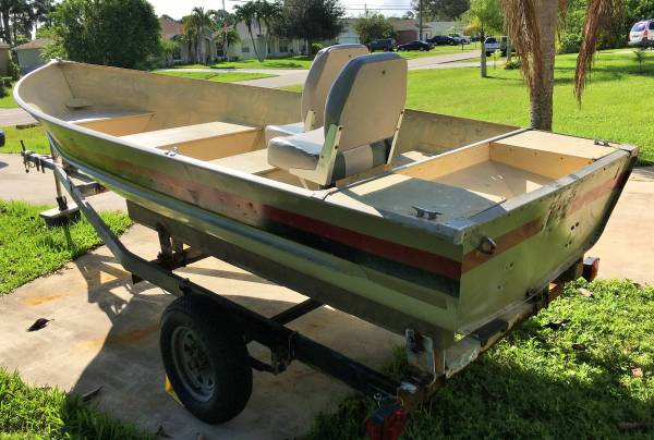 Photo 1539 Meyers aluminum Jon boat, V-hull, seats and trailer - $800 (PSL)