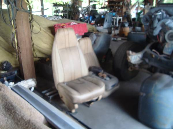 Photo 1971-95 Chevy Or GMC Van Front Seats Used GM Quality - $200 (lorida florida)