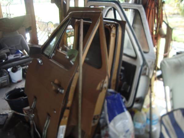 Photo 1971-95 Chevy Or GMC Van Rear RUST FREE Doors - $125 (lorida florida)