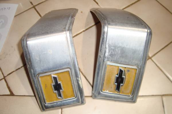 Photo 1973-87 Chevy Or GMC Pickup Truck Rear Cab moulding Used ld - $60 (lorida florida)