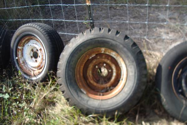 Photo 1973-87 Chey Or GMC 4X4 pickup Truck 15X8 Ralley Rim Used - $50 (lorida florida)