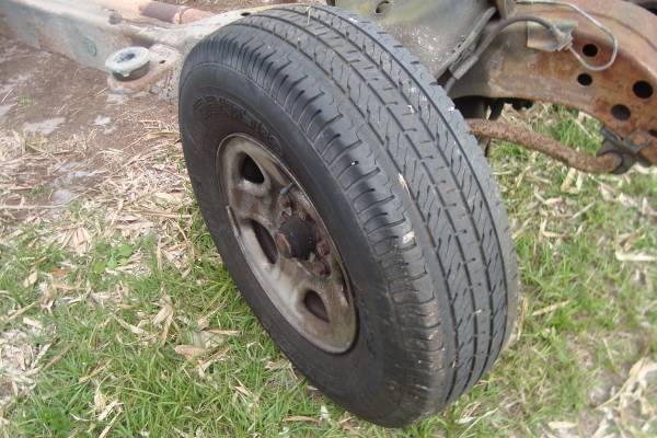Photo 1988-99 Chevy Pickup Truck 6 Lug Tires  Rims Used - $100 (912 arbuckle creek rd lorida fl)
