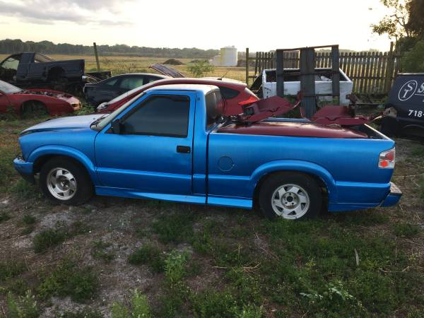 Photo 1999 Chevrolet S10 pickup clean title for parts - $650 (Okeechobee)