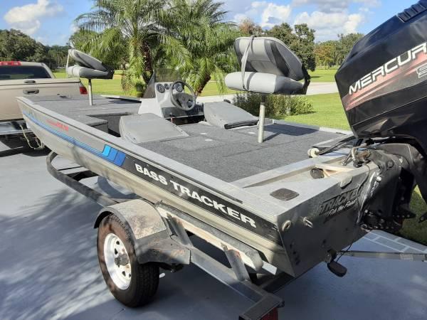 Photo 1999 Mercury 90 hp motor on Tournament TX17 Bass Tracker with trailer - $4,950 (Springlake, Sebring)