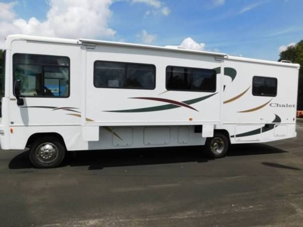 Photo 2004 Winnebago Chalet 30B - $20,000 (Fort Pierce)