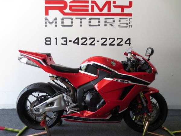 Photo 2013 Honda CBR 600RR Low Miles Like New FINANCING Available - $6,999 (Riverview)