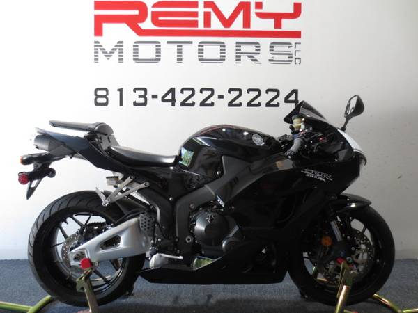 Photo 2015 Honda CBR 600RR Low Miles FINANCING Available - $7,999 (Riverview)