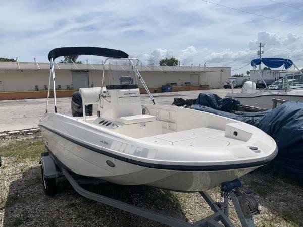 Photo 2017 Bayliner F16 Center Console Boat - $18,000 (Ta)