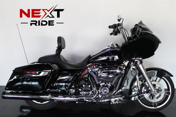 Photo 2017 Harley Road Glide Special Financing Available - $19,995