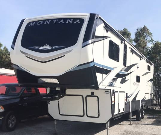 Photo 2021 Montana 5th Wheel RV - $78,000 (Port Saint Lucie)