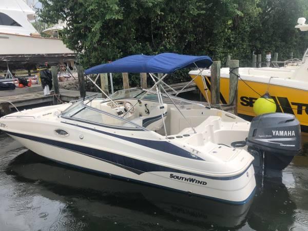 Photo 21 foot deckboat, bay boat, fishing boat Southwind - $13,500 (Cortez)