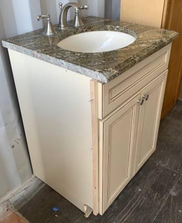 Photo 25.5quot Wide Antique White Bathroom Vanity Granite Top 2 Doors - Used - $199 (Bonita Springs)