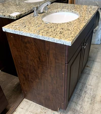 Photo 36quot Wide Dark Brown Vanity With Granite Countertop And Undermount Sink - $279 (Bonita Springs)