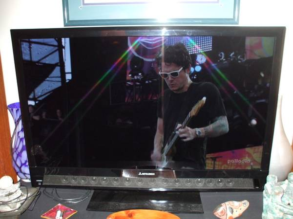 Photo 40quot Smart LED HDTV W16 Speaker Sound Projector, Subwoofer, Blu-Ray (Largo)