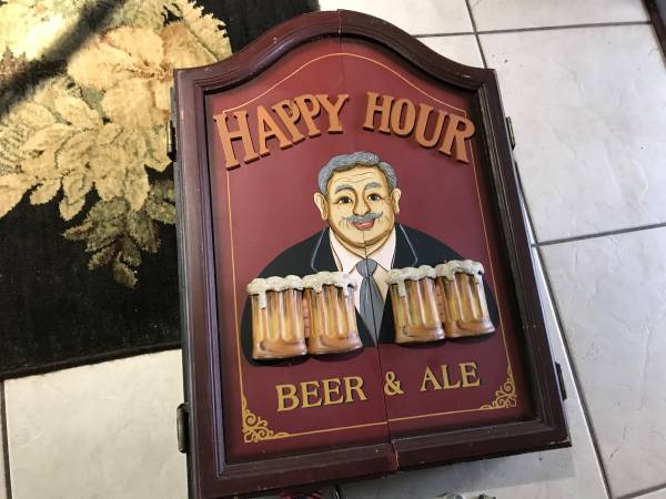 Photo 4 Mens cave items,1 Dart board,1 Hanging Bud Light,2 Beer wall signs - $170 (Port Charlotte)