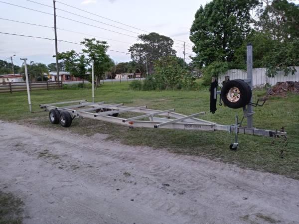 Photo Big 26ft Aluminum trailer, pontoon, airboat, catamaran, skiff - $2,000 (Tavares)