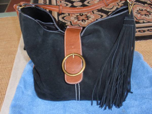 Photo Dooney and Bourke black bag - $40 (vero beach)