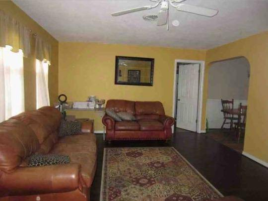 Photo FWB ARRANGEMENT FREE RENT GREAT CONDO AND LOCATION (Palm Harbor near Countryside Mall)