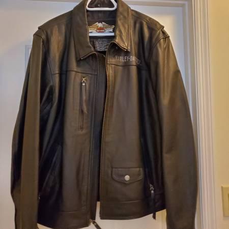 Photo Men39s xlarge Black leather Harley Davison jacket - $200 (Sebring)
